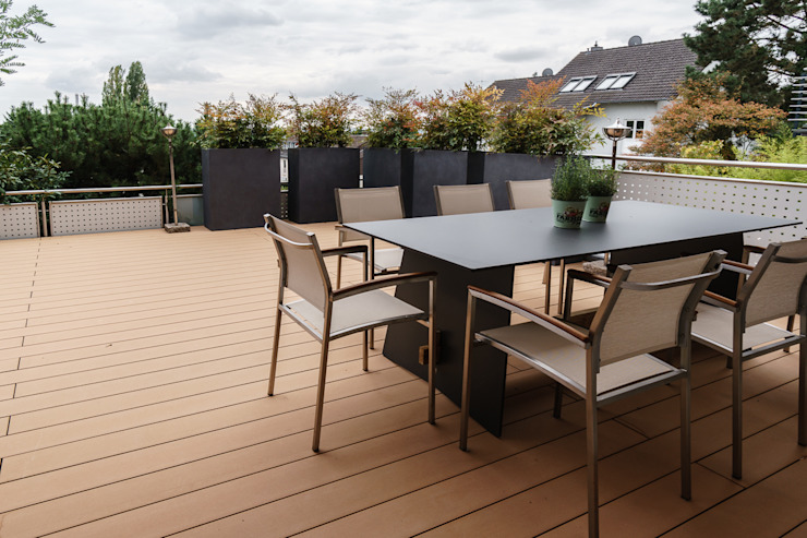 Modern style balcony, porch & terrace by Will Bau & Bad Modern Wood Wood effect