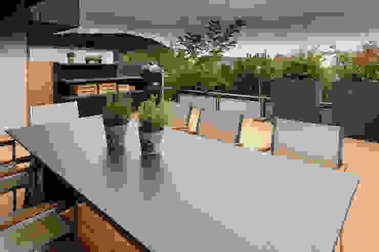 Will GmbH Balcon, Veranda & Terrasse modernes Bois Blanc