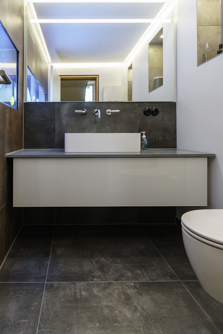 Will GmbH Salle de bain moderne Tuiles Gris