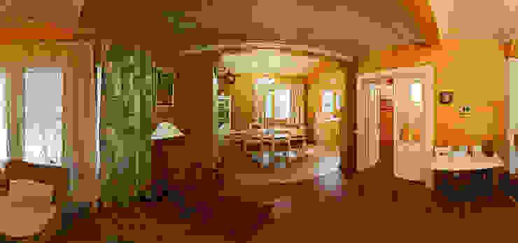 Rustic style dining room by Дмитрий Кругляк Rustic Wood Wood effect