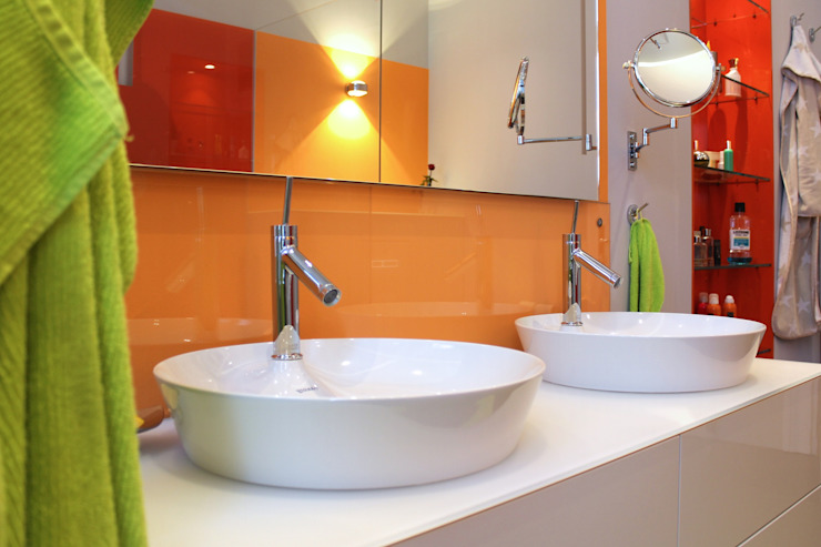 Eclectic style bathroom by Will Bau & Bad Eclectic Glass