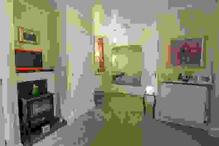 Studio Wee House Спальня в классическом стиле от The Wee House Company Классический