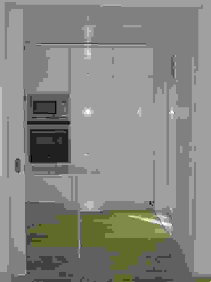 Cozinha Cozinhas modernas por QFProjectbuilding, Unipessoal Lda Moderno