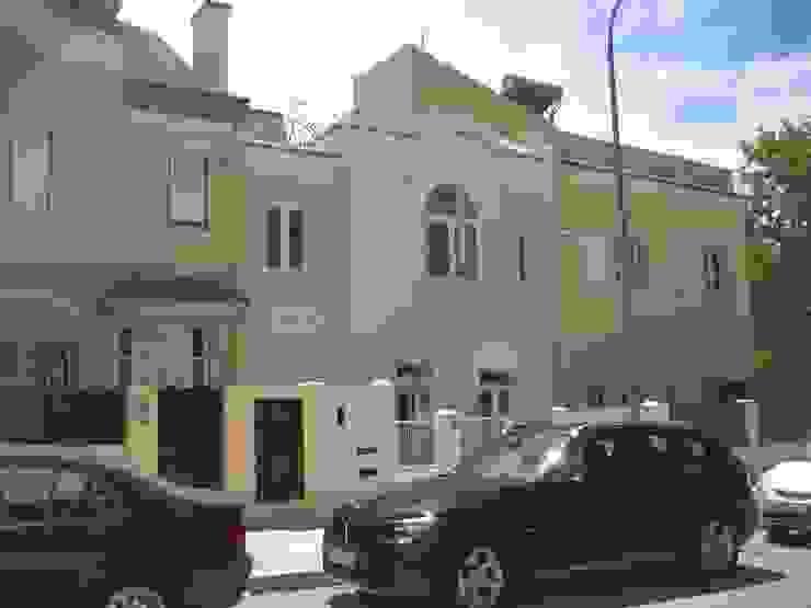 Дома в классическом стиле от QFProjectbuilding, Unipessoal Lda Классический