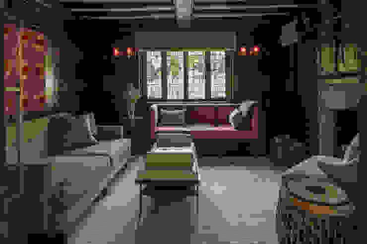 Richmond - Snug or Family Room Roselind Wilson Design Livings de estilo ecléctico