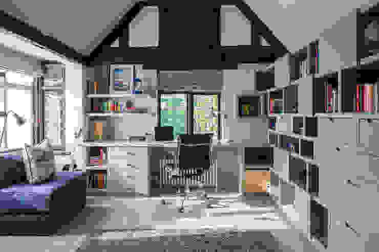Richmond - Boys Bedroom Roselind Wilson Design Dormitorios de estilo moderno