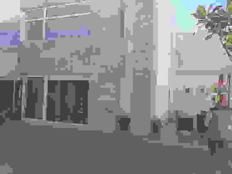 Terraza - Jardín antes de la intervención de CABSA Taller de Carpintería & Arquitectura