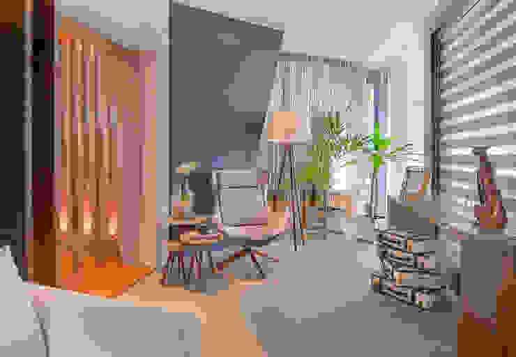 Pasillos, vestíbulos y escaleras de estilo moderno de Sgabello Interiores Moderno