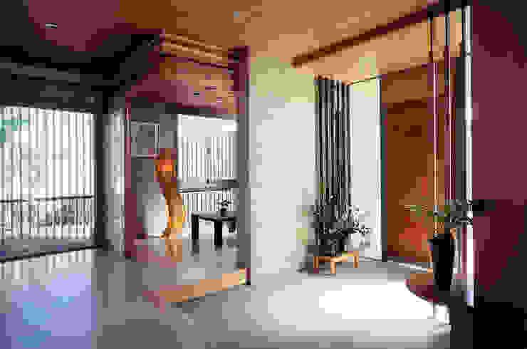 Corridor, hallway by シーズ・アーキスタディオ建築設計室