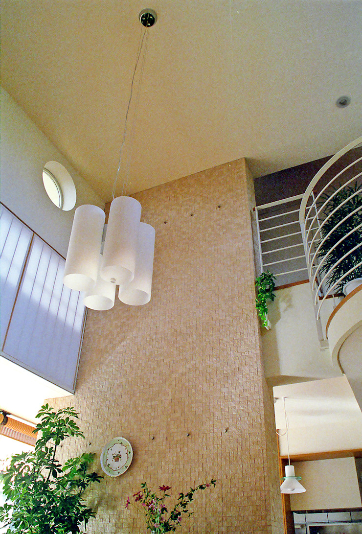 Livings de estilo moderno de シーズ・アーキスタディオ建築設計室 Moderno