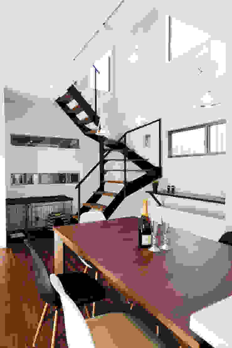 株式会社スタジオ・チッタ Studio Citta Modern dining room