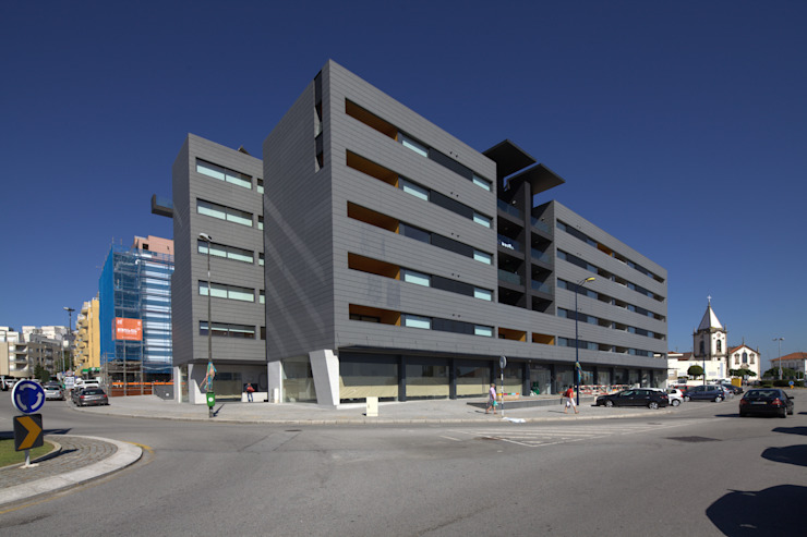 Edifício Rosário - Habitação Coletiva Moderne huizen van architektengroep roderveld Modern