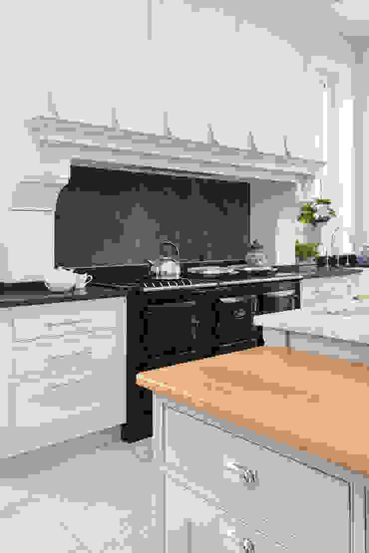 Klassische Küchen von Lewis Alderson Klassisch
