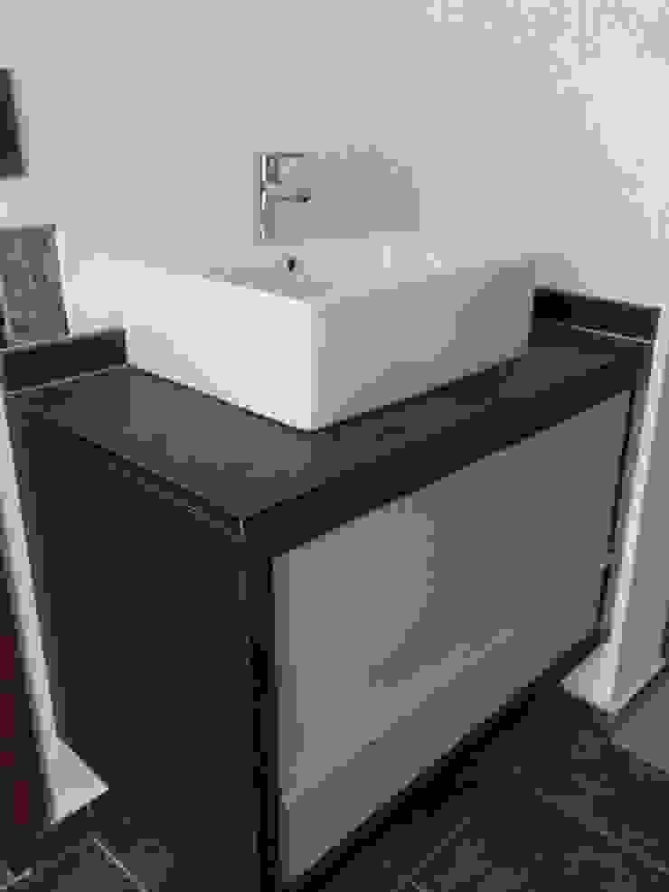 Aurea Arquitectura y Amoblamientos BathroomSinks
