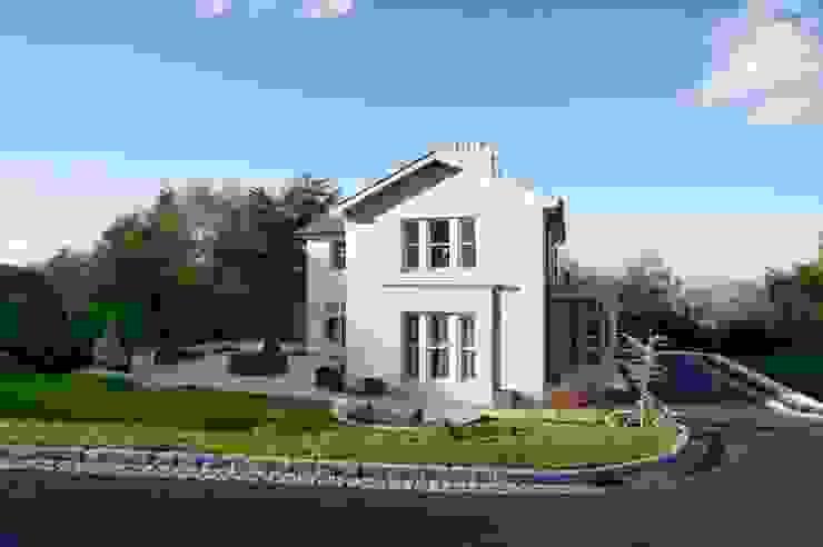 Making the most of a challenging, sloping site to create an elegant yet function Klassieke huizen van Des Ewing Residential Architects Klassiek