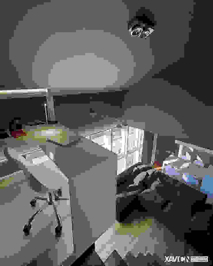 Piso Pitelos Estudios y despachos de estilo moderno de XaviCN Moderno Hierro/Acero