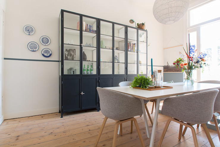 Scandinavian style dining room by Studio Binnen Scandinavian