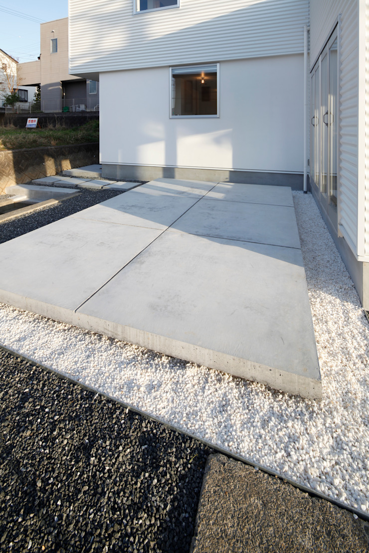 久保田正一建築研究所 Giardino minimalista Cemento Bianco
