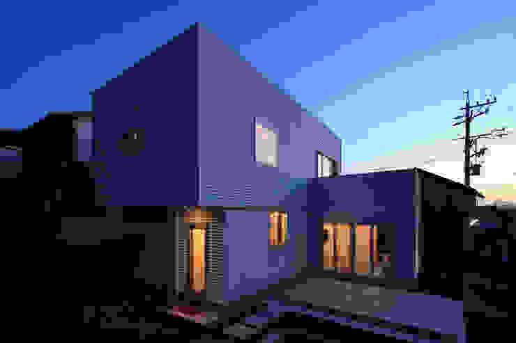 久保田正一建築研究所 Case in stile minimalista Metallo Bianco
