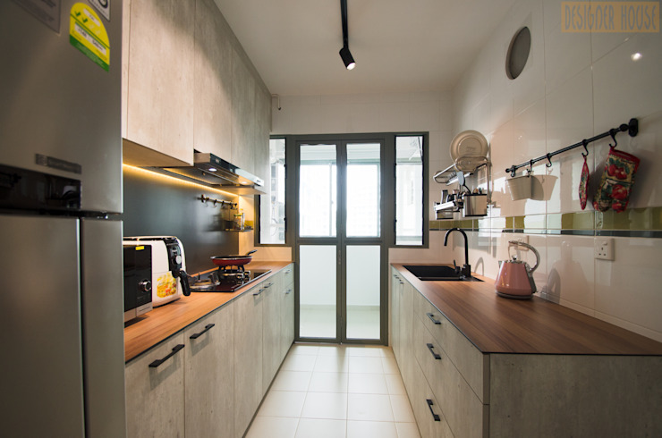 Punggol Waterway Brooks BTO Minimalist kitchen by Designer House Minimalist