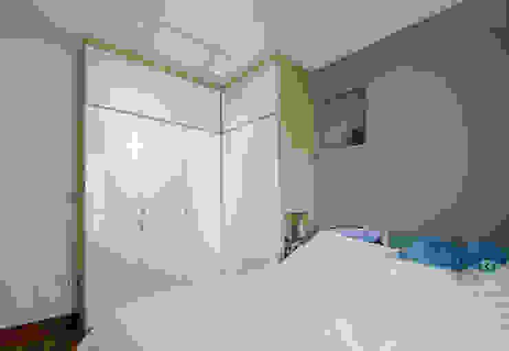Punggol Waterway Brooks BTO Minimalist bedroom by Designer House Minimalist