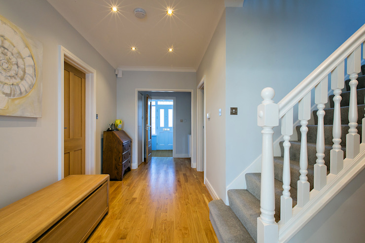 hallway - after :   by POWER 2 BUILD LTD,