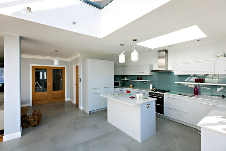 kitchen - after :   by POWER 2 BUILD LTD,