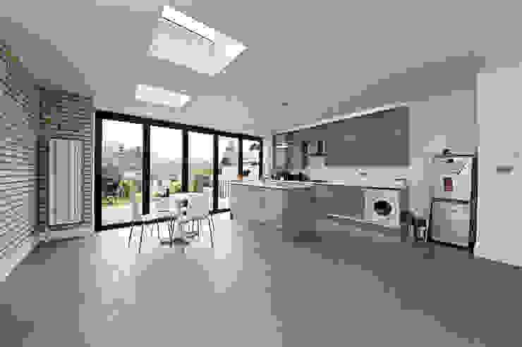 kitchen - extension :  Kitchen by POWER 2 BUILD LTD,