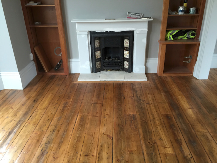 Reclaimed Pine floorboards Ruang Keluarga Klasik Oleh The British Wood Flooring Company Klasik