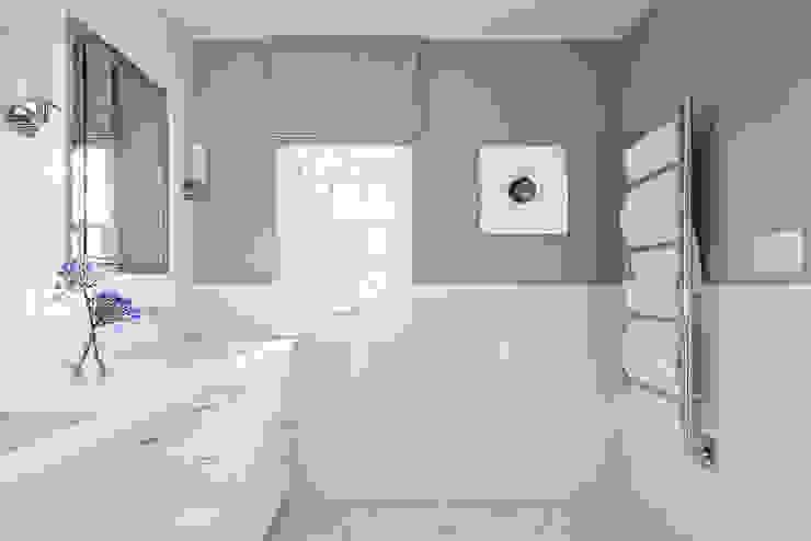 Phòng tắm phong cách hiện đại bởi Clean Design Hiện đại