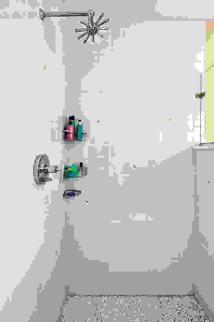 Hall Bath Clean Design Modern style bathrooms