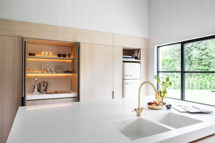 Modern style kitchen by JUMA architects Modern