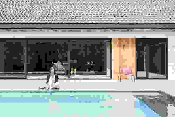 Project K:  Zwembad door JUMA architects,