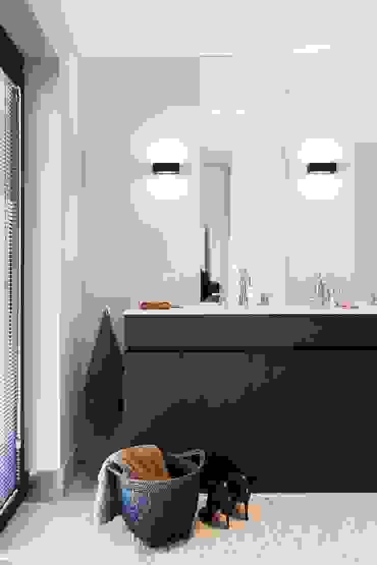 Project K Moderne badkamers van JUMA architects Modern