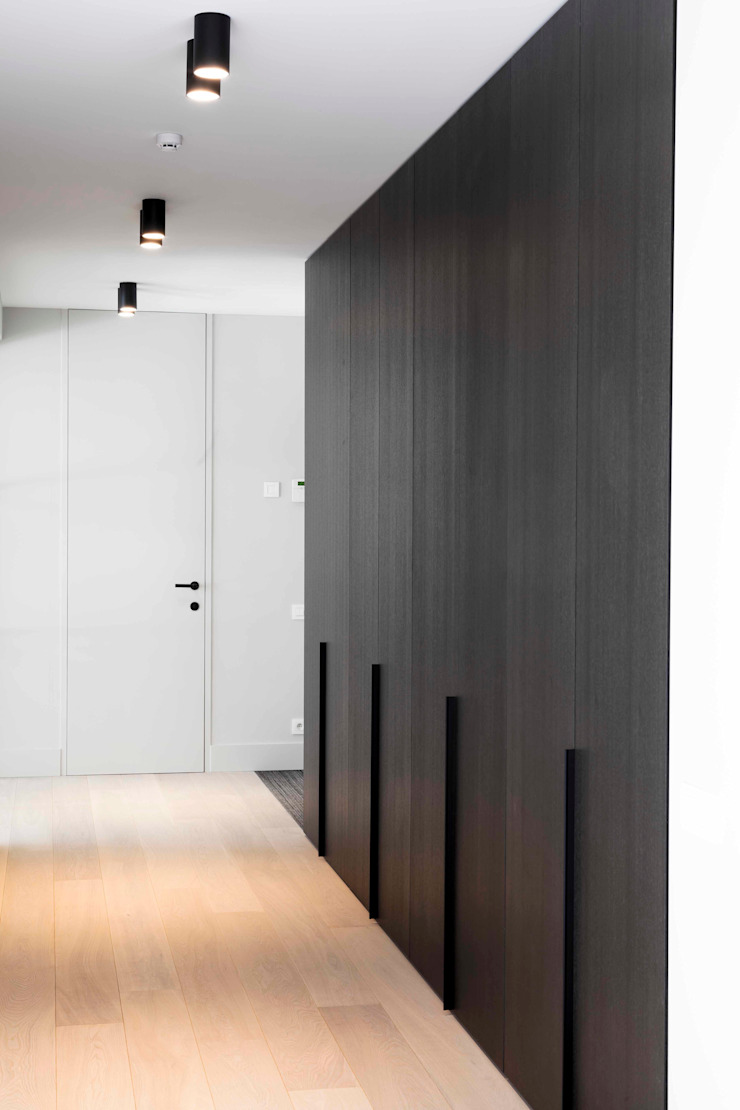 Project K Moderne gangen, hallen & trappenhuizen van JUMA architects Modern