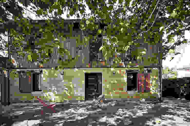 Projekty,  Domy zaprojektowane przez Cendrine Deville Jacquot, Architecte DPLG, A²B2D, Nowoczesny