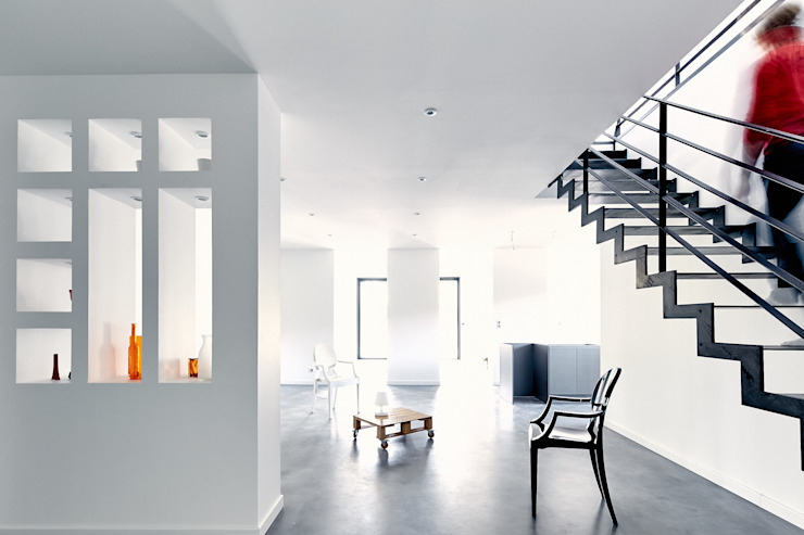 Modern Corridor, Hallway and Staircase by Cendrine Deville Jacquot, Architecte DPLG, A²B2D Modern