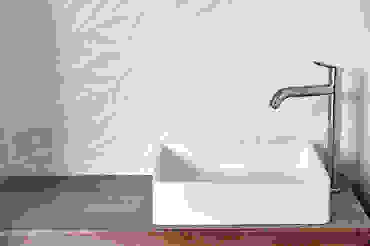 Projekty,  Łazienka zaprojektowane przez Cendrine Deville Jacquot, Architecte DPLG, A²B2D, Nowoczesny