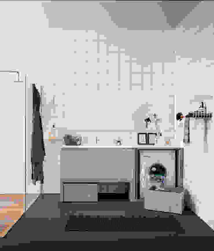 Acqua e sapone di BIREX Moderno