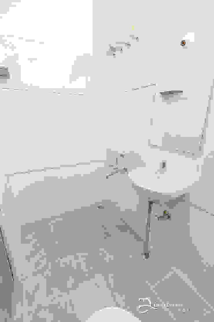 Rekha Raju Residence Modern Bathroom by Etagi Design Collaborative Modern