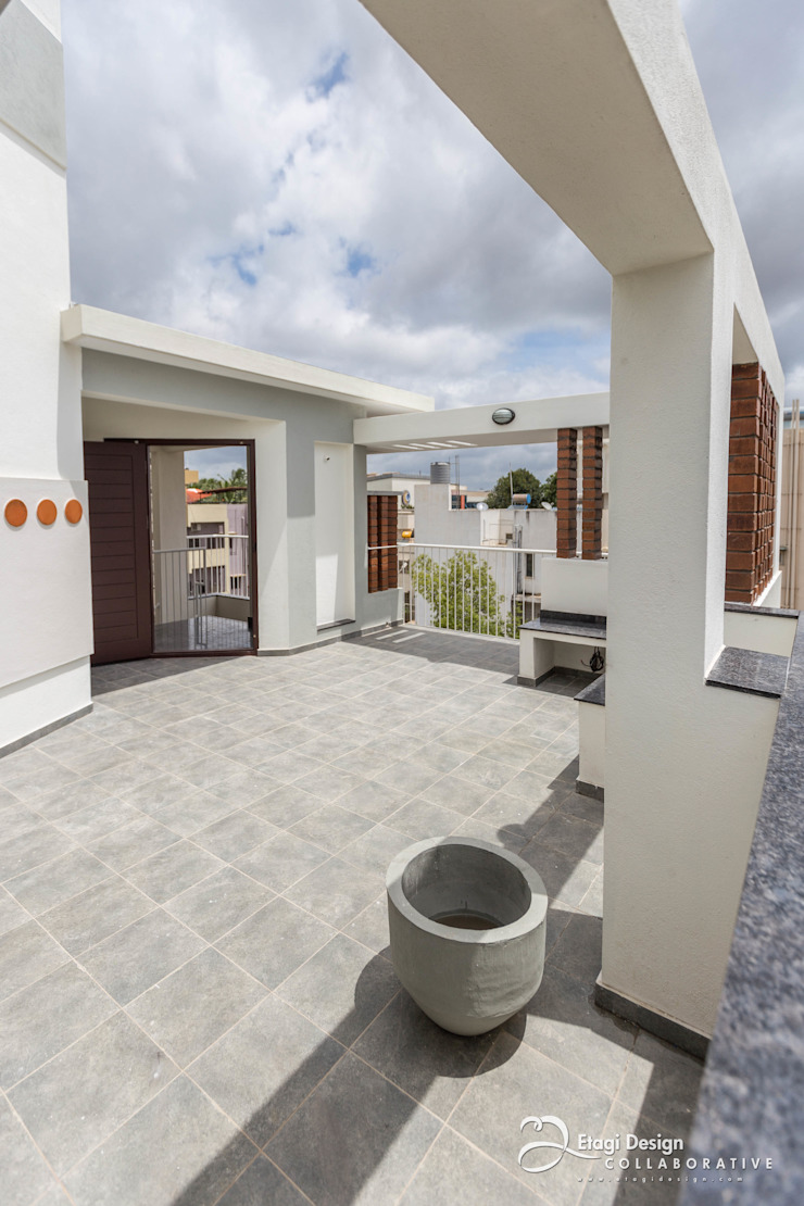 Rekha Raju Residence Modern Terrace by Etagi Design Collaborative Modern