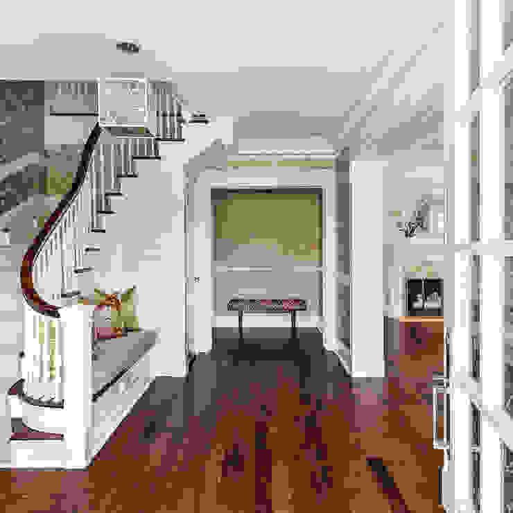 Foyer Clean Design Modern corridor, hallway & stairs