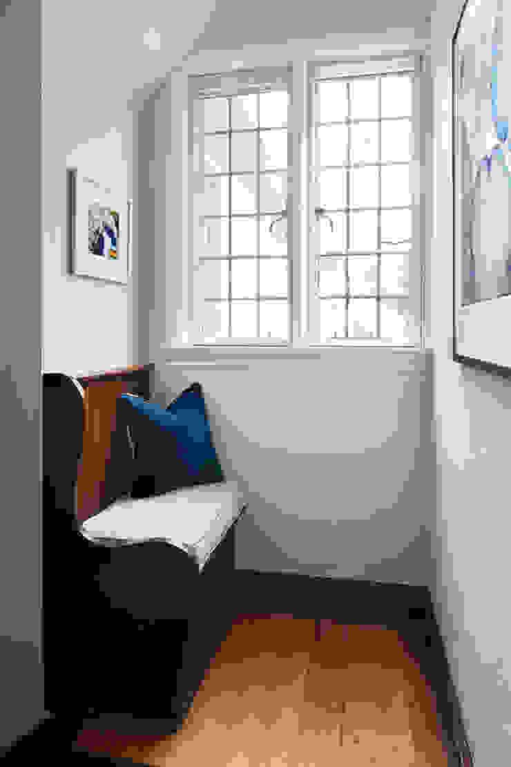 Hall Clean Design Modern corridor, hallway & stairs