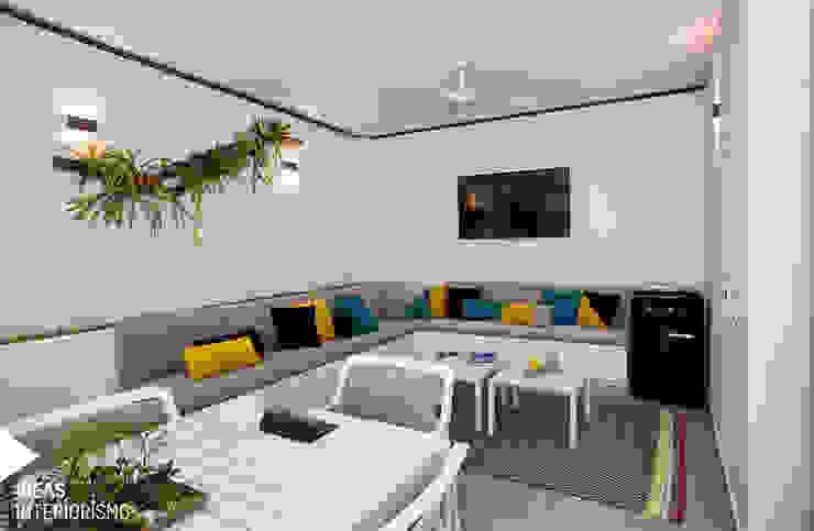 Terraza de diseño en Valencia. Balcones y terrazas de estilo mediterráneo de Ideas Interiorismo Exclusivo, SLU Mediterráneo