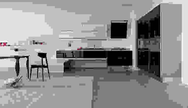 Con DuraGloss puede crear combinaciones sofisticadas para los espacios de su hogar.: Cocinas de estilo  por FORMICA Venezuela