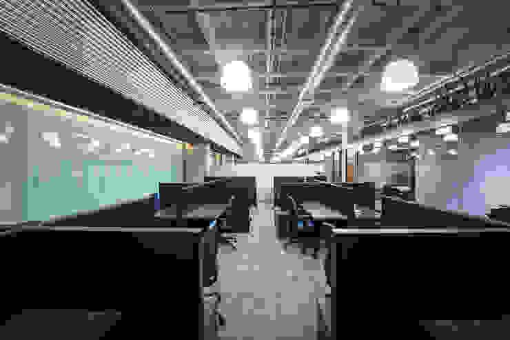 Oficinas Polaris - P+0 Arquitectura Estudios y despachos modernos de pmasceroarquitectura Moderno Concreto