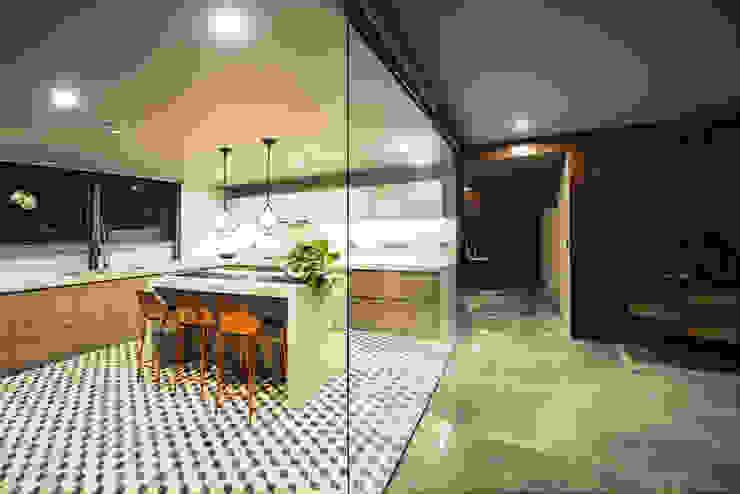 PH Fuentes - P+0 Arquitectura pmasceroarquitectura Pasillos, vestíbulos y escaleras de estilo moderno Hormigón