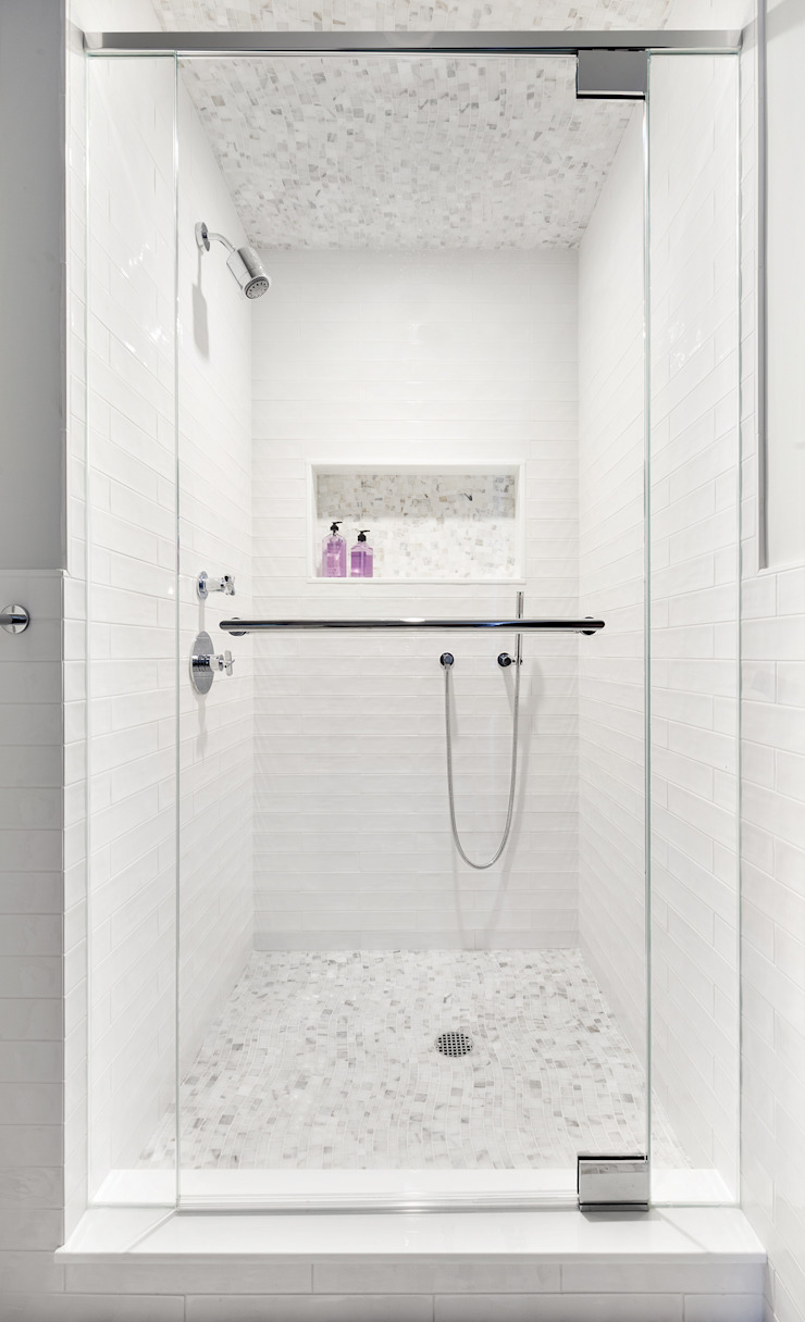 Kid's Bathroom Clean Design Modern style bathrooms
