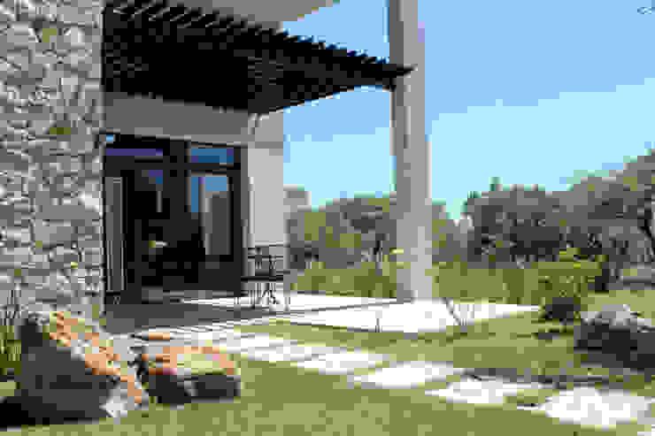 Maisons modernes par AM Estudios Moderne Pierre