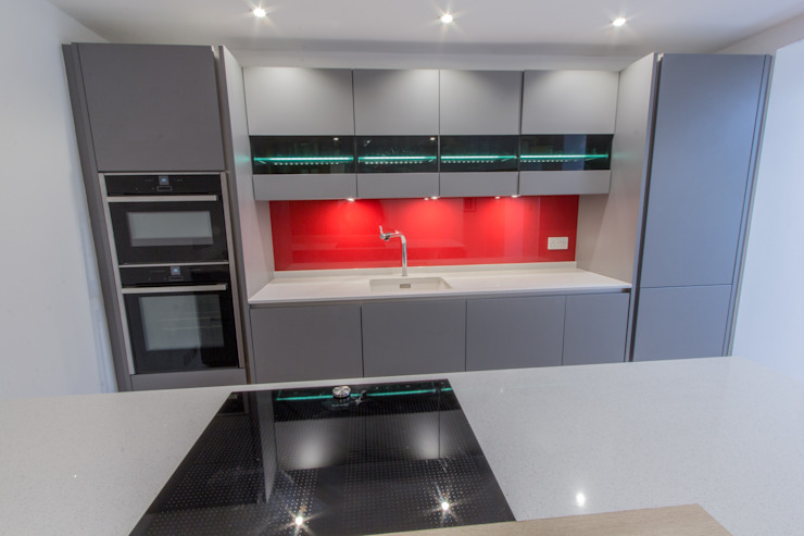 Grey & Red Modern kitchen by Eco German Kitchens Modern MDF